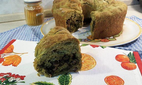 VideoRicetta Babà con broccoli e salsiccia