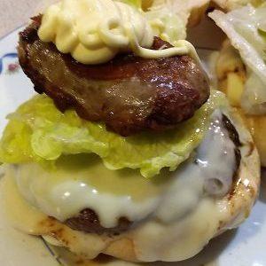 Panino Hamburger e Salsiccia alla provola