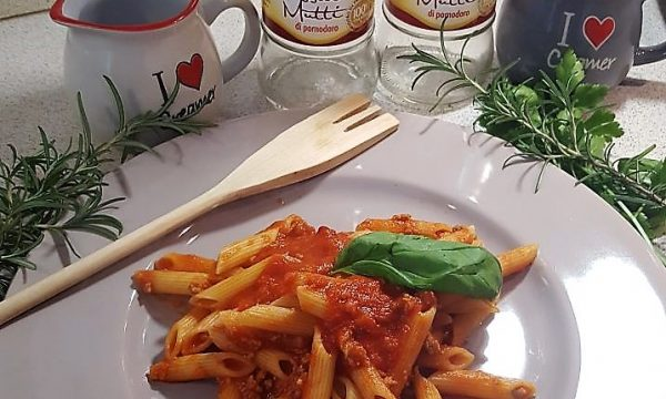 Penne al Ragù e Salsiccia
