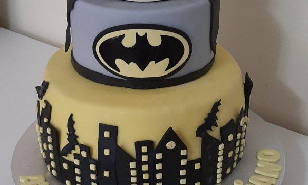 Batman Cake🦇🦇🦇🦇🦇🦇🦇🦇🦇🦇🦇🦇🦇