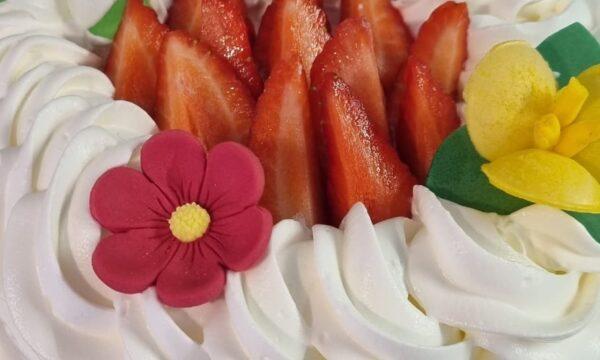 Strawberry Cake🍓🍓🍓🍓🍓